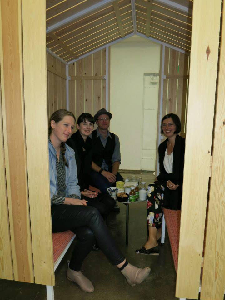 Having a nice talk with Taru in Frames´ excellent birch tree hut