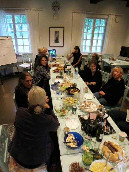 Dinner party with arts community at Voipaala
