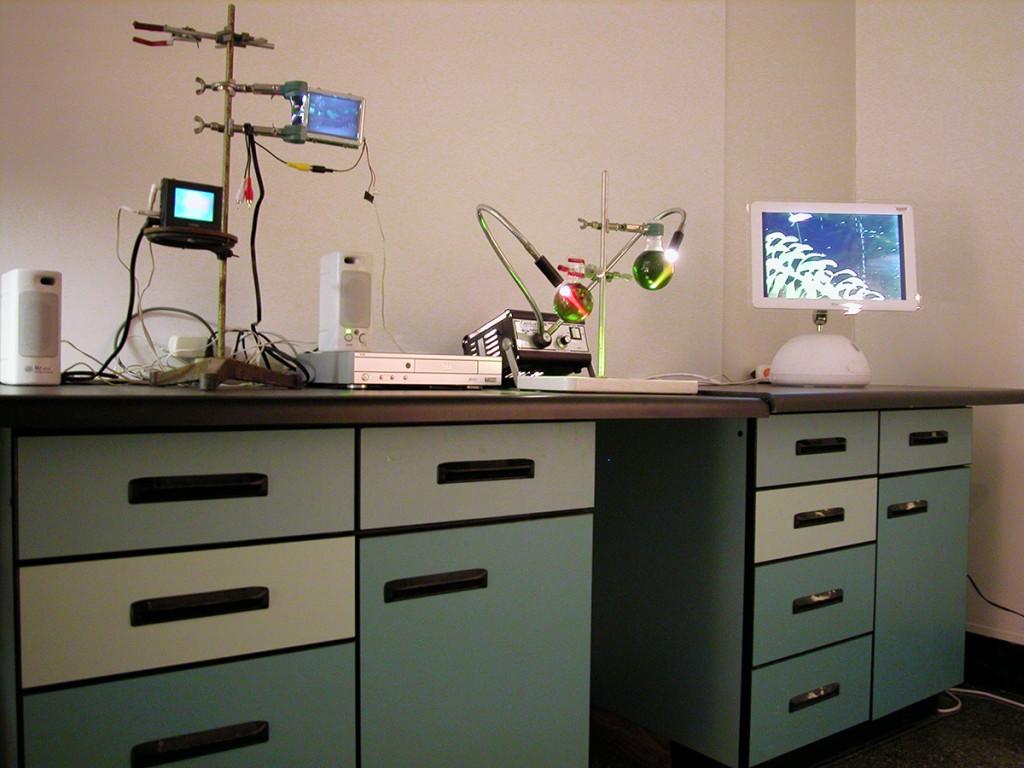 Lab-bench